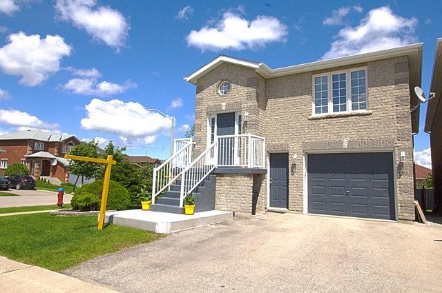 Link at 83 Adams St, Bradford West Gwillimbury, Ontario. Image 1