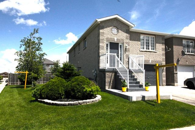 Link at 83 Adams St, Bradford West Gwillimbury, Ontario. Image 9