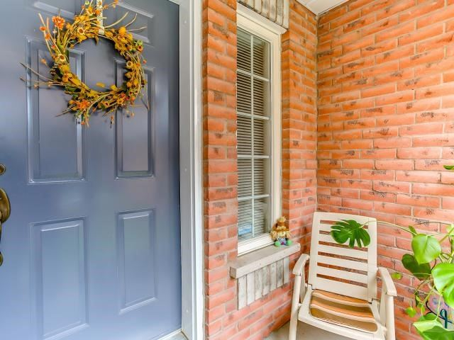 Link at 145 Cairncross Cres, Markham, Ontario. Image 12