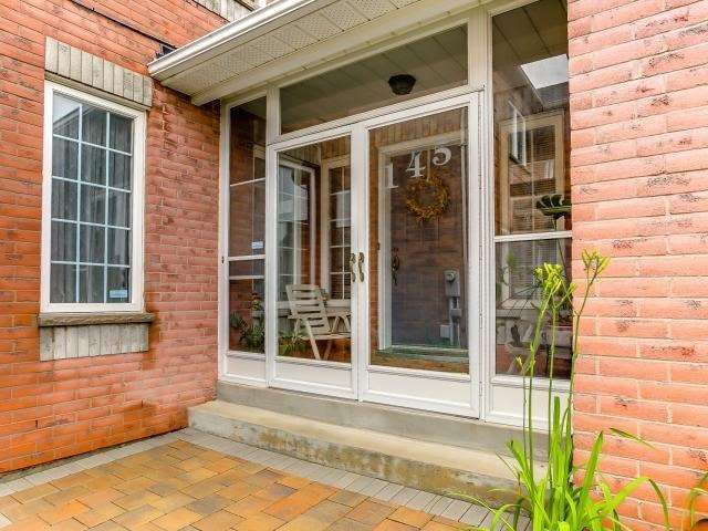 Link at 145 Cairncross Cres, Markham, Ontario. Image 14