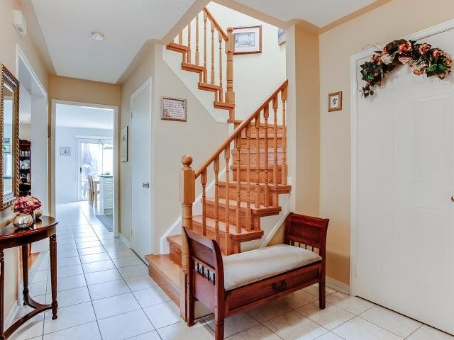Link at 145 Cairncross Cres, Markham, Ontario. Image 15