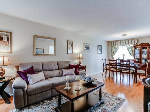 Link at 145 Cairncross Cres, Markham, Ontario. Image 16