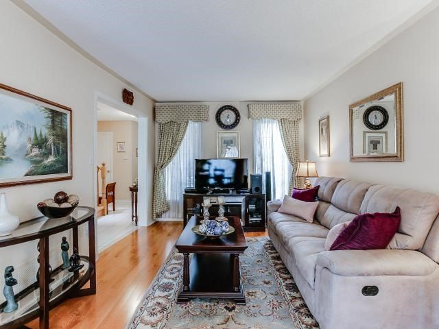 Link at 145 Cairncross Cres, Markham, Ontario. Image 17