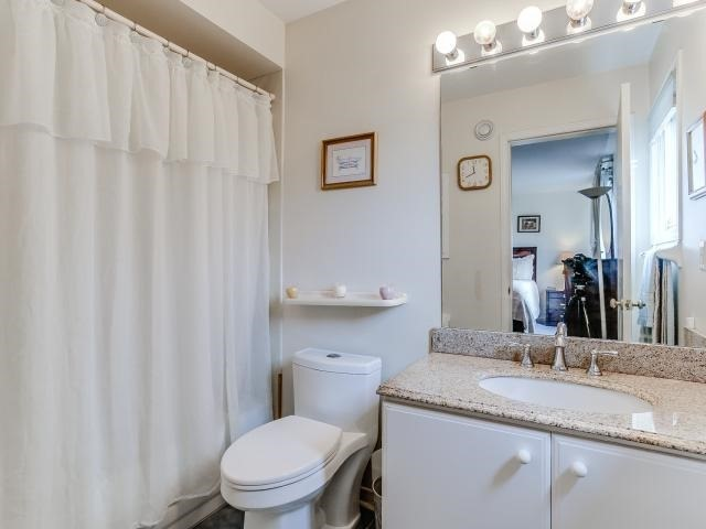 Link at 145 Cairncross Cres, Markham, Ontario. Image 7