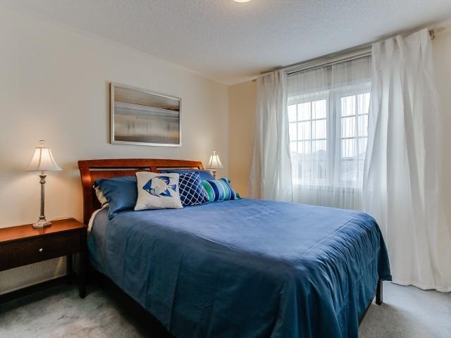 Link at 145 Cairncross Cres, Markham, Ontario. Image 9