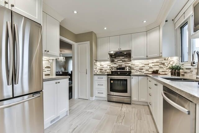 Detached at 20 Chant Cres, Markham, Ontario. Image 19