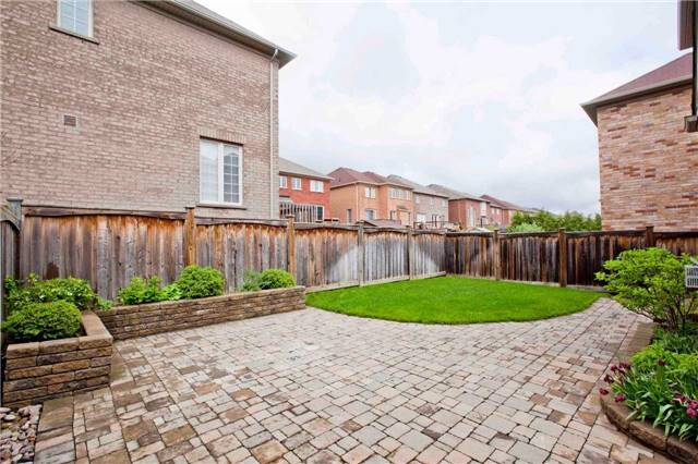 Detached at 6 Little Natalie Crt, Vaughan, Ontario. Image 13