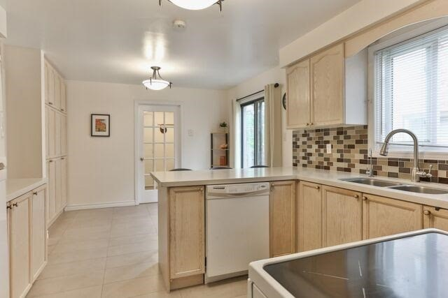 Detached at 21 Tanglewood Tr, Markham, Ontario. Image 19