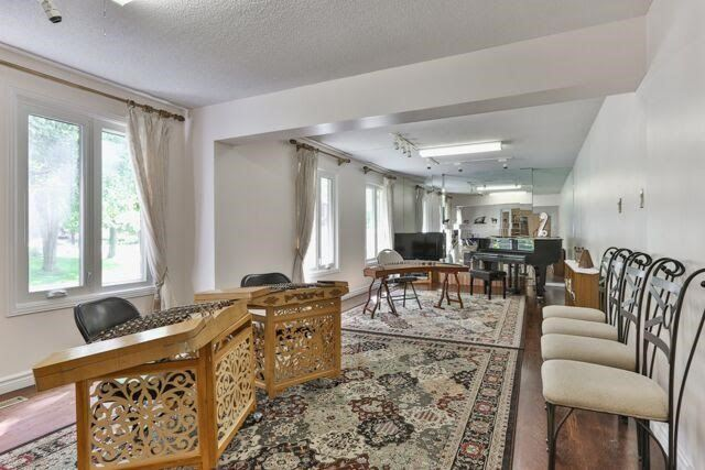 Detached at 21 Tanglewood Tr, Markham, Ontario. Image 2