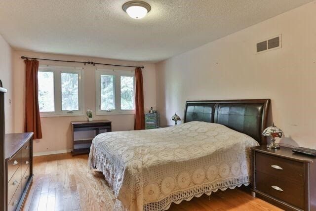 Detached at 21 Tanglewood Tr, Markham, Ontario. Image 3
