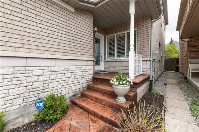 Detached at 15 Sandway Cres, Vaughan, Ontario. Image 12