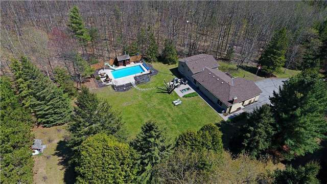 Detached at 3460 Herald Rd, East Gwillimbury, Ontario. Image 7