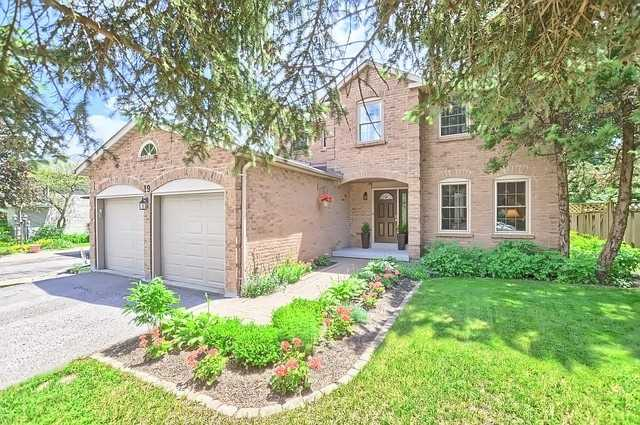 Detached at 19 Tannery Creek Cres, Aurora, Ontario. Image 1
