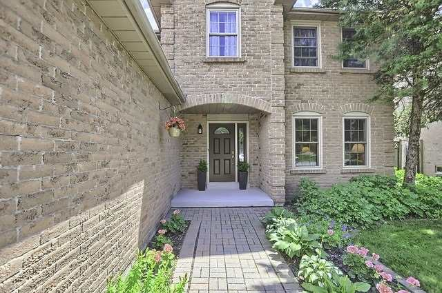 Detached at 19 Tannery Creek Cres, Aurora, Ontario. Image 12