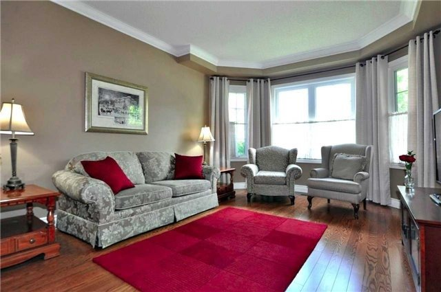 Detached at 894 Norsan Crt, Newmarket, Ontario. Image 12