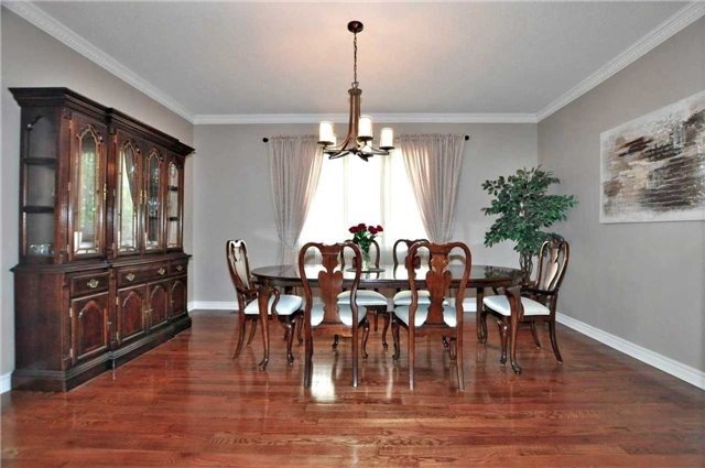 Detached at 894 Norsan Crt, Newmarket, Ontario. Image 14