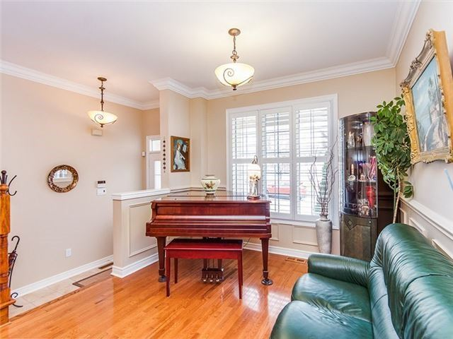 Townhouse at 27 Amberty St, Vaughan, Ontario. Image 10