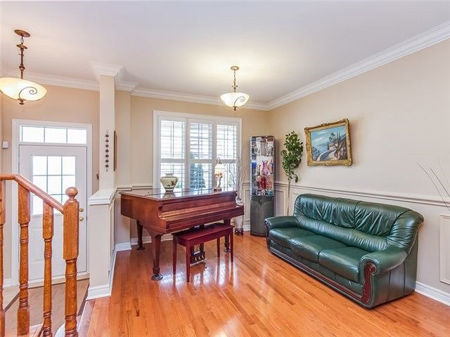 Townhouse at 27 Amberty St, Vaughan, Ontario. Image 11