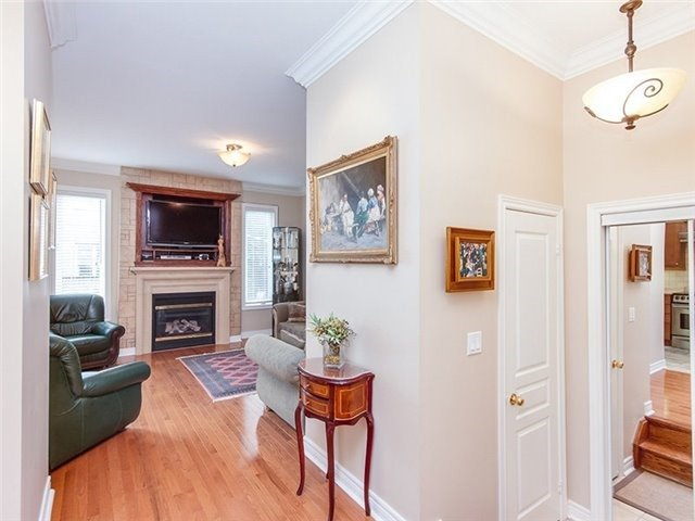 Townhouse at 27 Amberty St, Vaughan, Ontario. Image 13