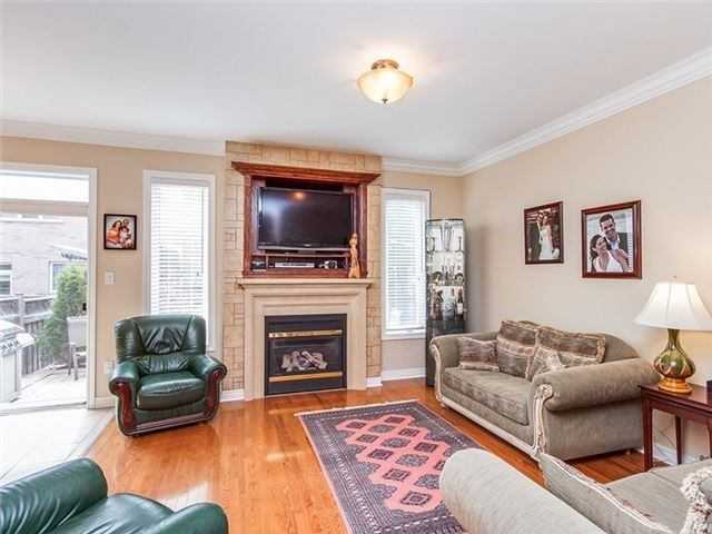 Townhouse at 27 Amberty St, Vaughan, Ontario. Image 14