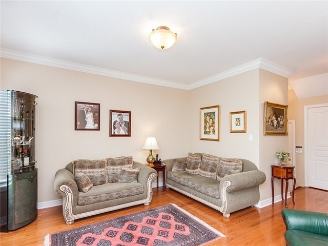 Townhouse at 27 Amberty St, Vaughan, Ontario. Image 15