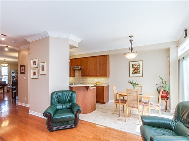Townhouse at 27 Amberty St, Vaughan, Ontario. Image 16