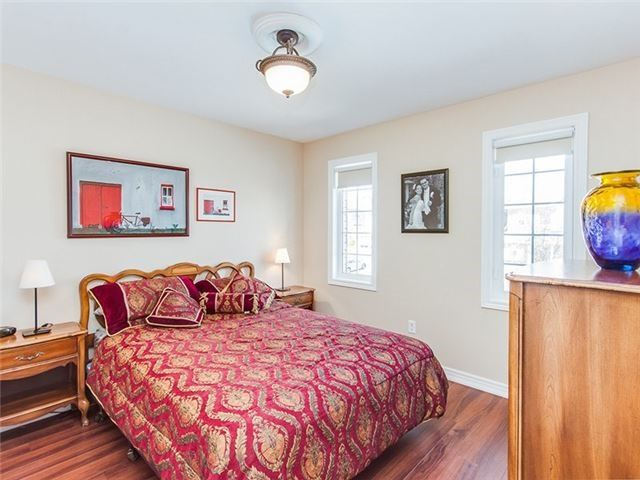 Townhouse at 27 Amberty St, Vaughan, Ontario. Image 3