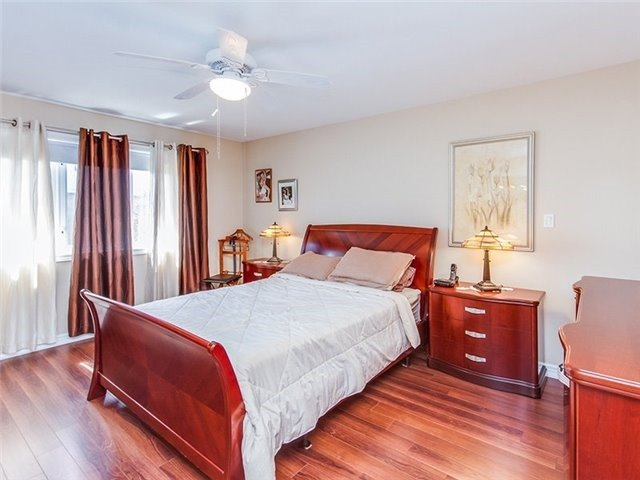 Townhouse at 27 Amberty St, Vaughan, Ontario. Image 6