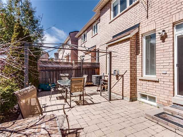 Townhouse at 27 Amberty St, Vaughan, Ontario. Image 9