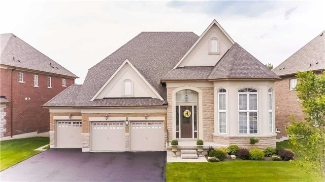 Detached at 58 Paradise Valley Tr, King, Ontario. Image 12