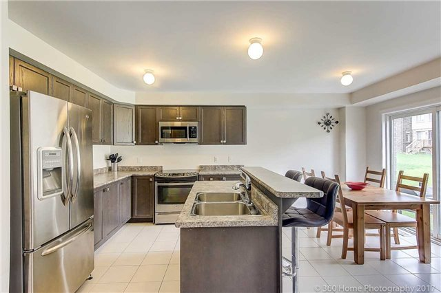 Detached at 19 Hoard Ave N, New Tecumseth, Ontario. Image 11