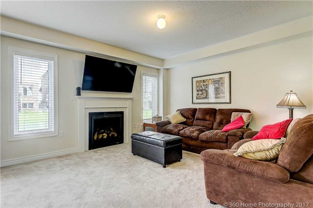Detached at 19 Hoard Ave N, New Tecumseth, Ontario. Image 12