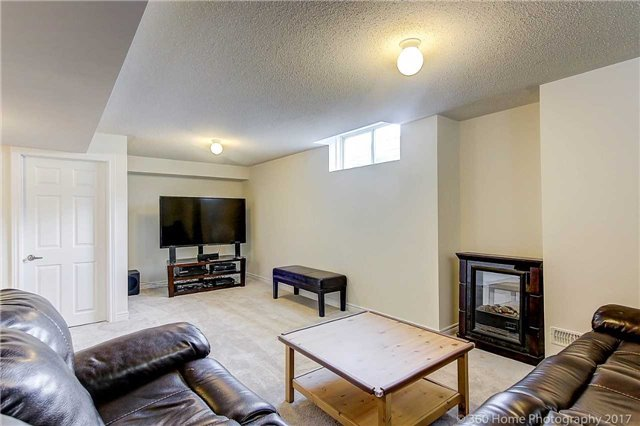 Detached at 19 Hoard Ave N, New Tecumseth, Ontario. Image 7