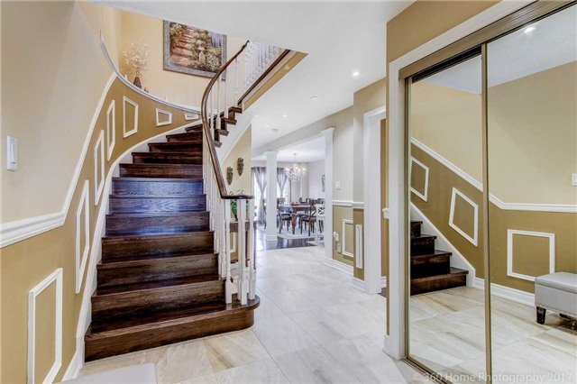 Detached at 23 Stargell Cres, Markham, Ontario. Image 16