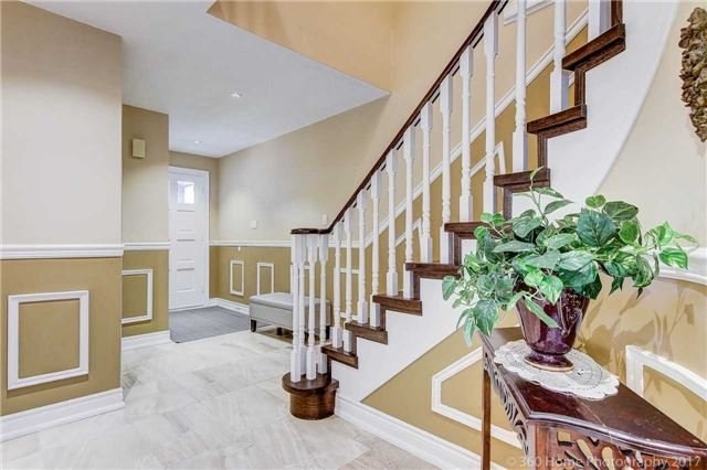 Detached at 23 Stargell Cres, Markham, Ontario. Image 17