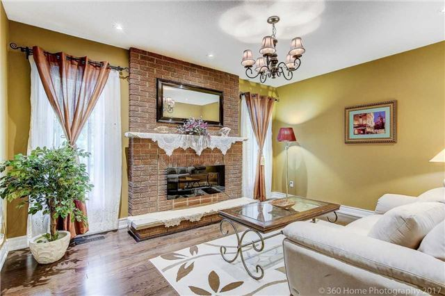 Detached at 23 Stargell Cres, Markham, Ontario. Image 18