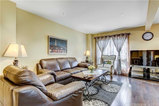 Detached at 23 Stargell Cres, Markham, Ontario. Image 19