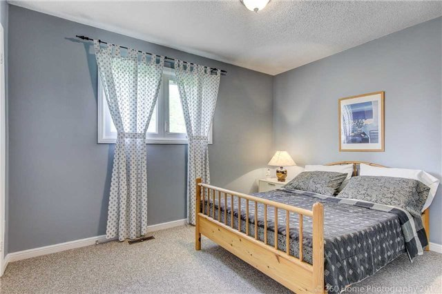 Detached at 23 Stargell Cres, Markham, Ontario. Image 5