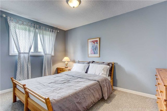 Detached at 23 Stargell Cres, Markham, Ontario. Image 6