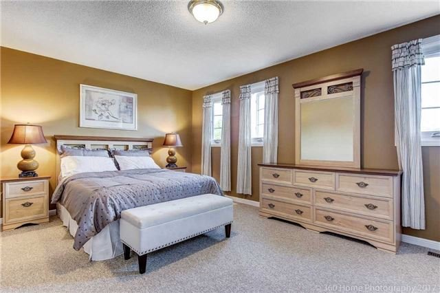 Detached at 23 Stargell Cres, Markham, Ontario. Image 9