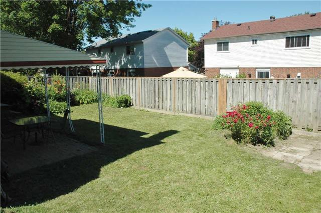Detached at 69 Ashton Rd, Newmarket, Ontario. Image 13