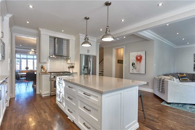 Detached at 75 Peter St, Markham, Ontario. Image 18