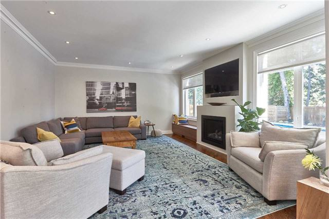 Detached at 75 Peter St, Markham, Ontario. Image 3