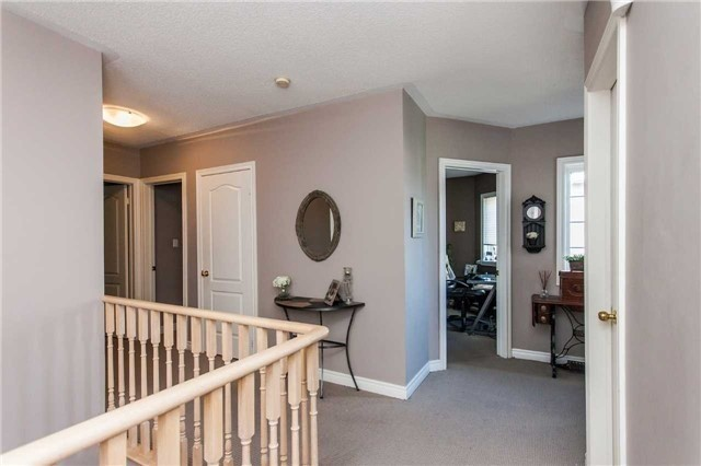 Detached at 154 Katerina Ave, Vaughan, Ontario. Image 2