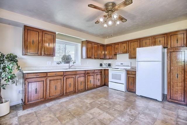 Detached at 20368 Woodbine Ave, East Gwillimbury, Ontario. Image 5