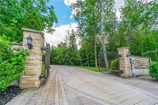 Detached at 281 Spruce Hill Rd, King, Ontario. Image 13