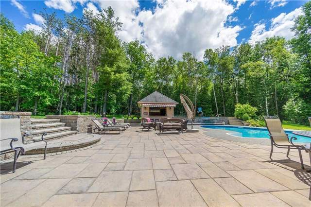 Detached at 281 Spruce Hill Rd, King, Ontario. Image 10