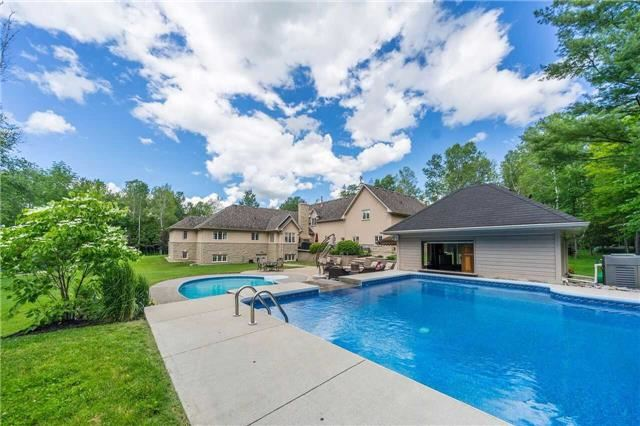 Detached at 281 Spruce Hill Rd, King, Ontario. Image 11