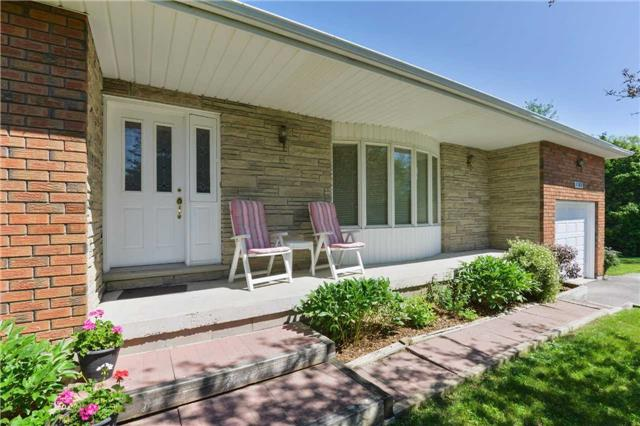 Detached at 1180 Belle Aire Beach Rd, Innisfil, Ontario. Image 9