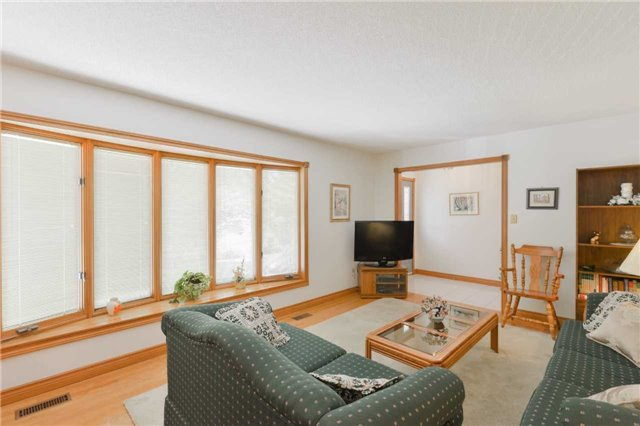 Detached at 1180 Belle Aire Beach Rd, Innisfil, Ontario. Image 10